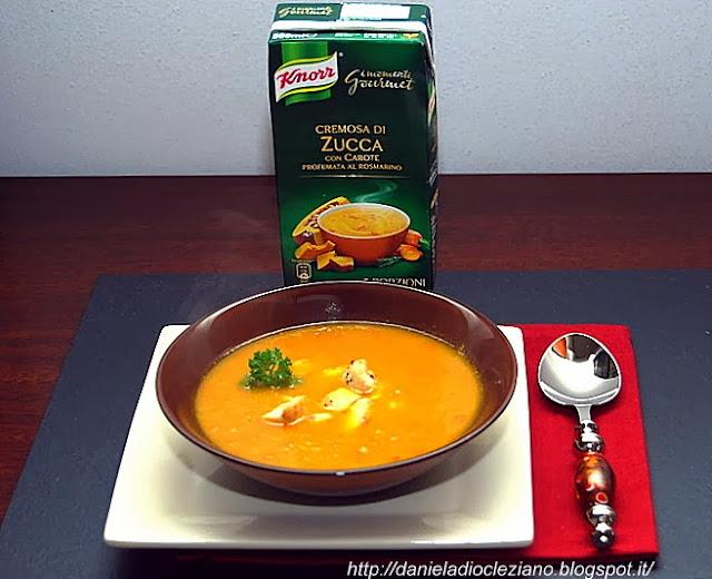 cremosa di zucca con carote profumata al rosmarino e bocconcini piccanti di pollo