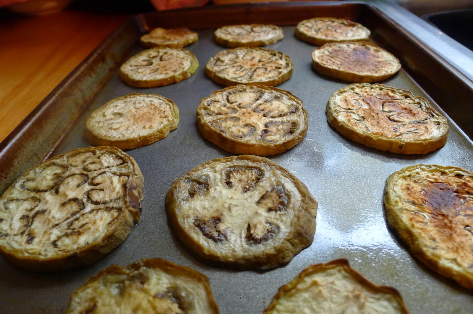 Broiled eggplant rounds, preserving eggplant