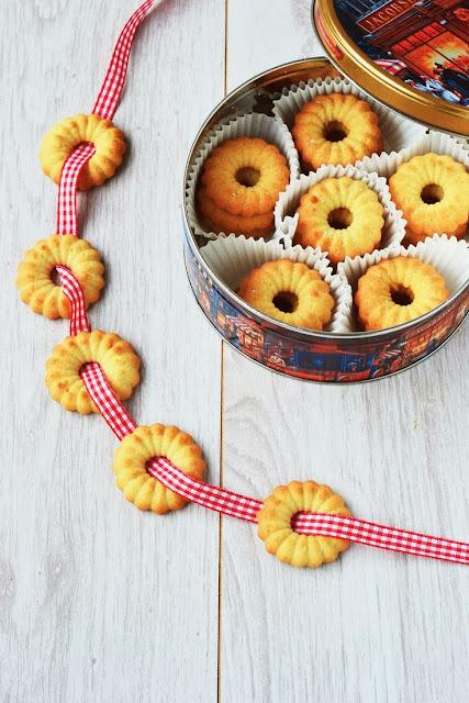 biscotti al burro danesi / danish butter cookies