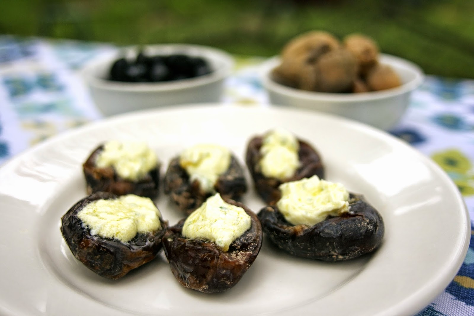 Goat Cheese Stuffed Dates: simplelivingeating.com