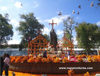 Día de Muertos en Pátzcuaro en la Plaza Vasco de Quiroga