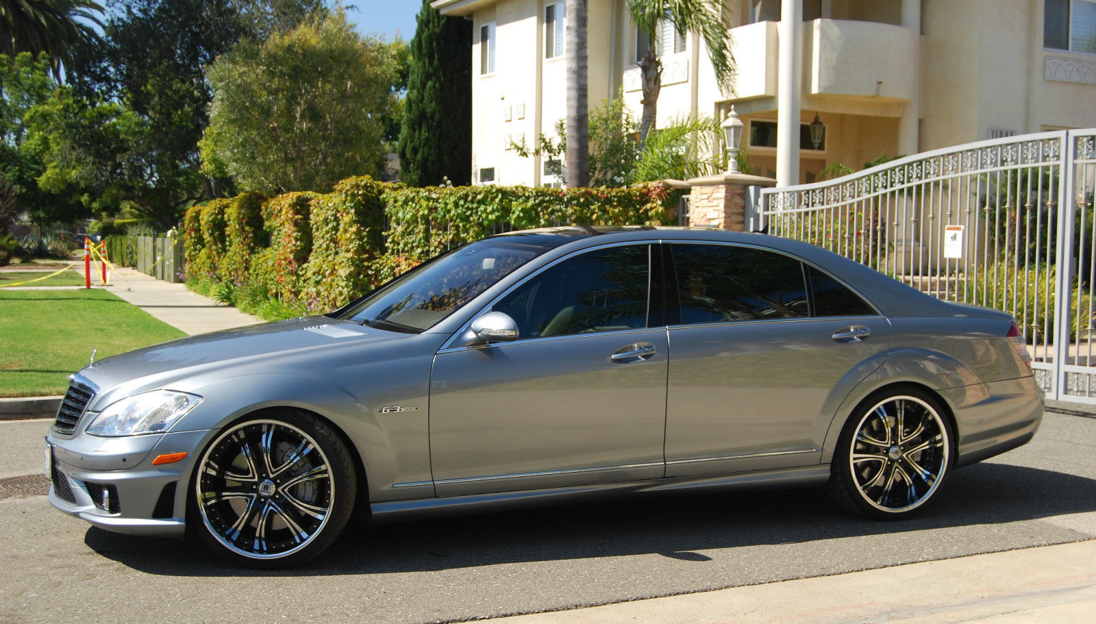 Mercedes benz w221 s63 amg on 22 asanti wheels benztuning for Mercedes benz 17 amg rims