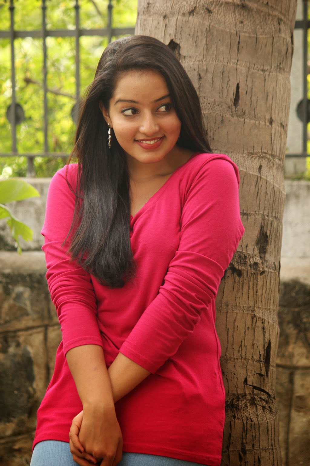 Hot Photos of Mallu Girl Malavika Menon