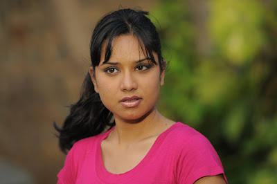 Actress Gayathri rao debuts in Kollywood