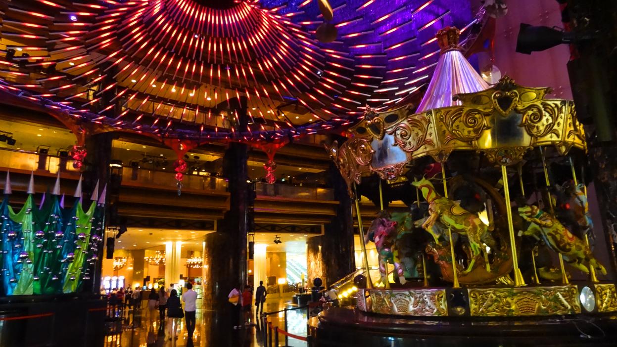 Crown+Casino+Festive+Display.jpg