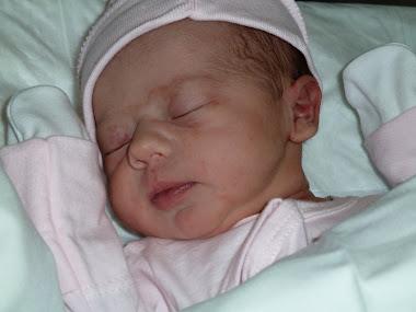 Esta nueva ciudadana nació ayer 11 de junio de 2011