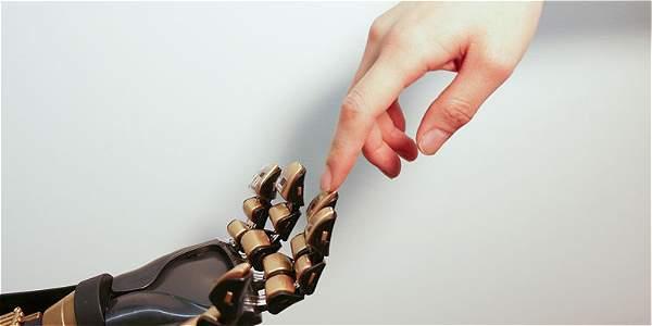 Crean piel artificial que puede sentir.