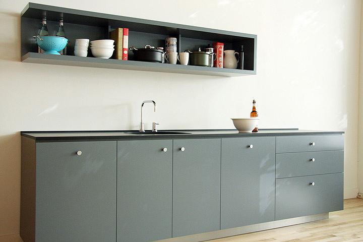 Primer showroom de las cocinas artesanales de viola park for Fabrica de utensilios de cocina