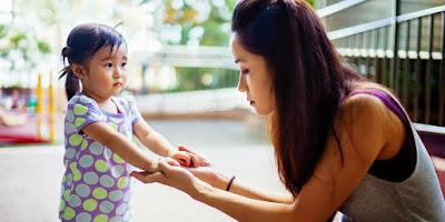4 Trik Atasi Tangisan Anak Ditempat Umum