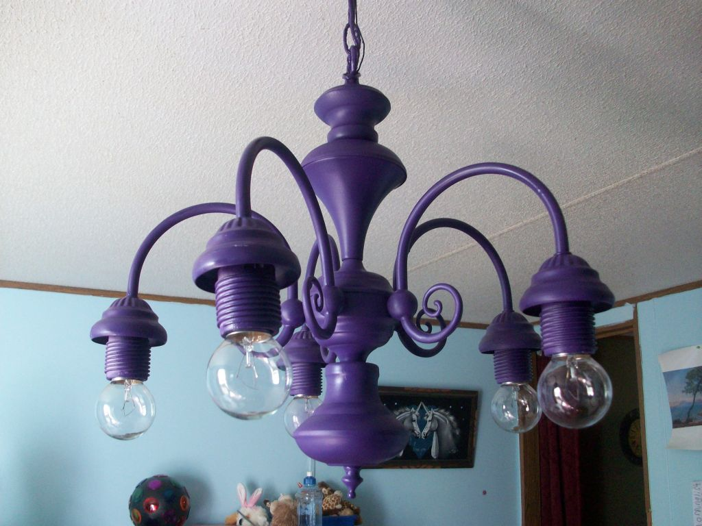 spray painted chandelier type light fixture in girls room. Black Bedroom Furniture Sets. Home Design Ideas