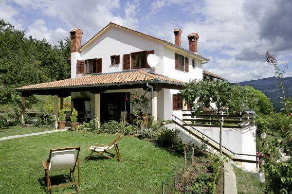 Pon linda tu casa decoraci n fachadas rusticas - Chimeneas rusticas para casas de campo ...