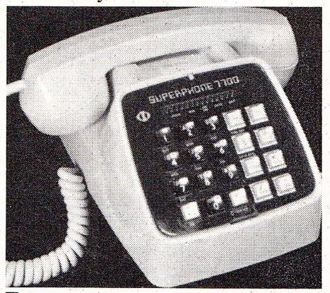 ENVOYEZ UN TELEX À L'HIPPOPOTABLE