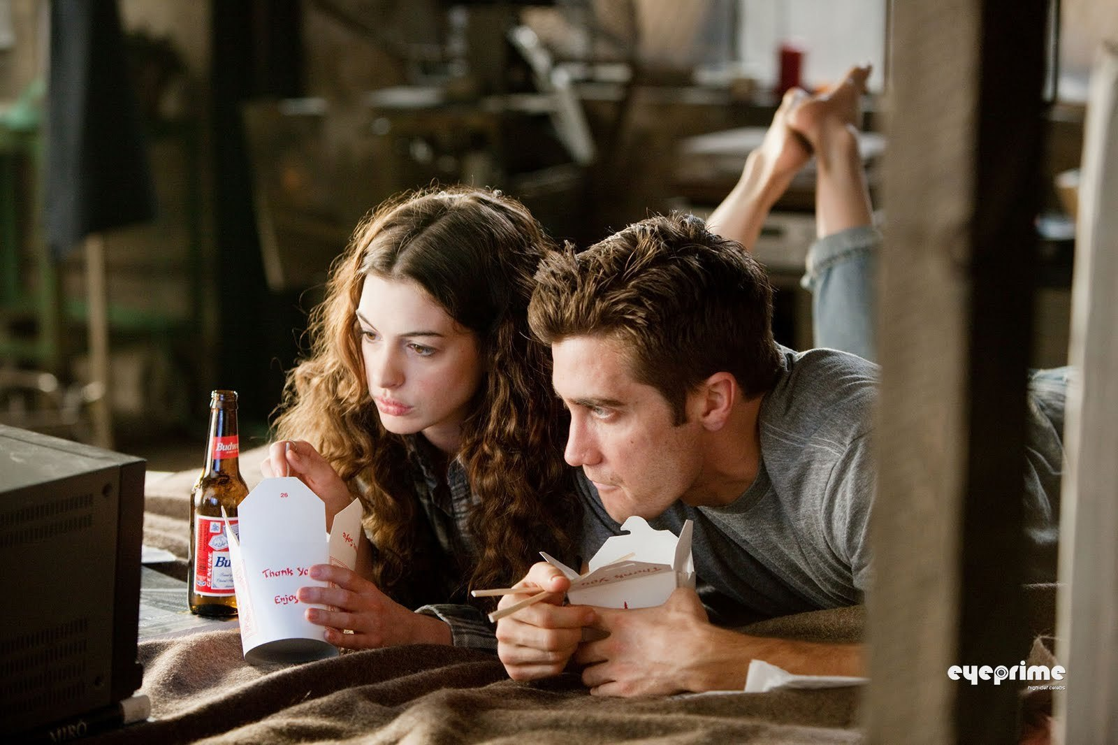 http://4.bp.blogspot.com/-E3hpaF09CkM/TdQKU9JHwvI/AAAAAAAAAFA/NVCUdbqJo1A/s1600/Love-and-Other-Drugs-Stills-anne-hathaway-and-jake-gyllenhaal-17991532-1600-1066.jpg