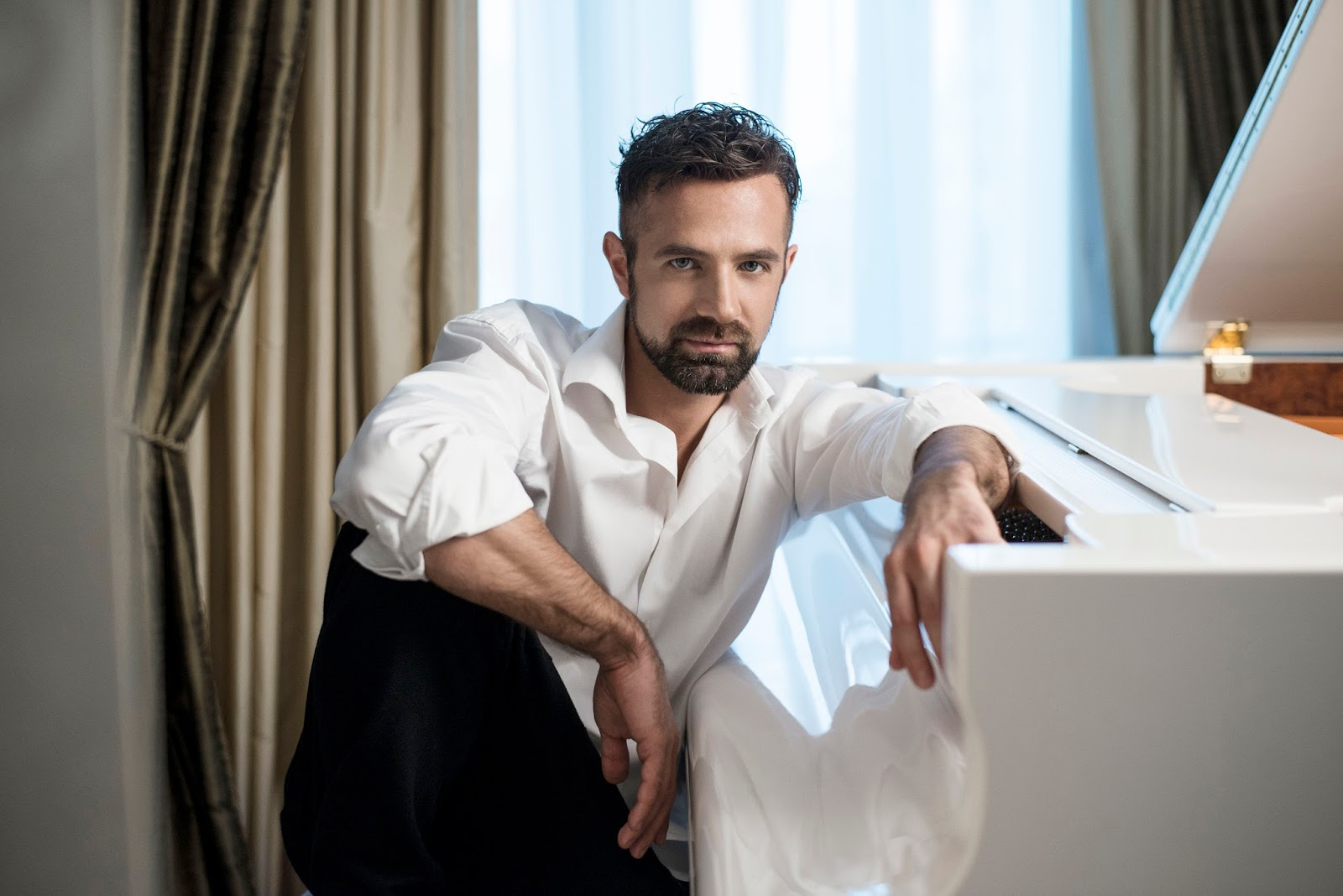 BEST ARTIST OF 2015: Countertenor MAX EMANUEL CENČIĆ [Photo by Anna Hoffmann, © by Parnassus Arts Productions]