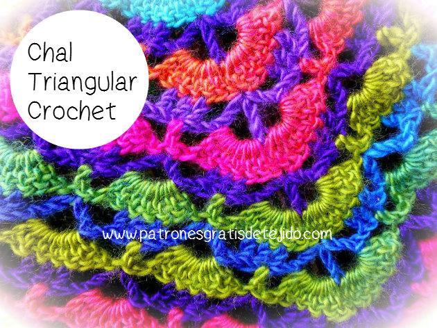 Chal tejido al crochet combinando colores vivos