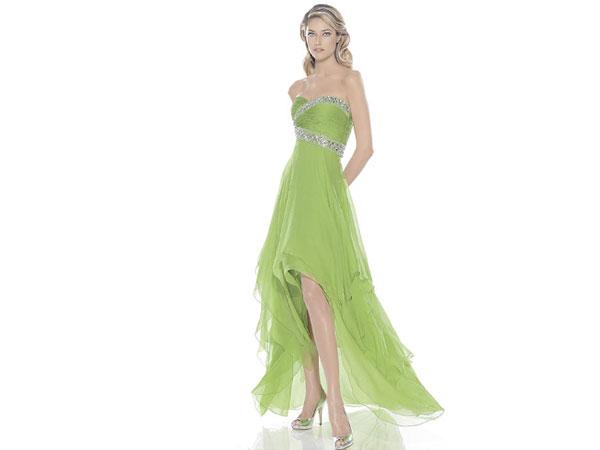 Para un vestido verde que color de zapatos