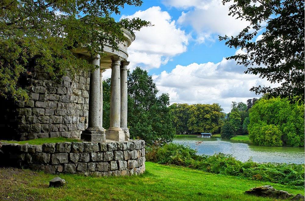 http://www.gardenvisit.com/garden/ermenonville_parc_jean-jacques_rousseau