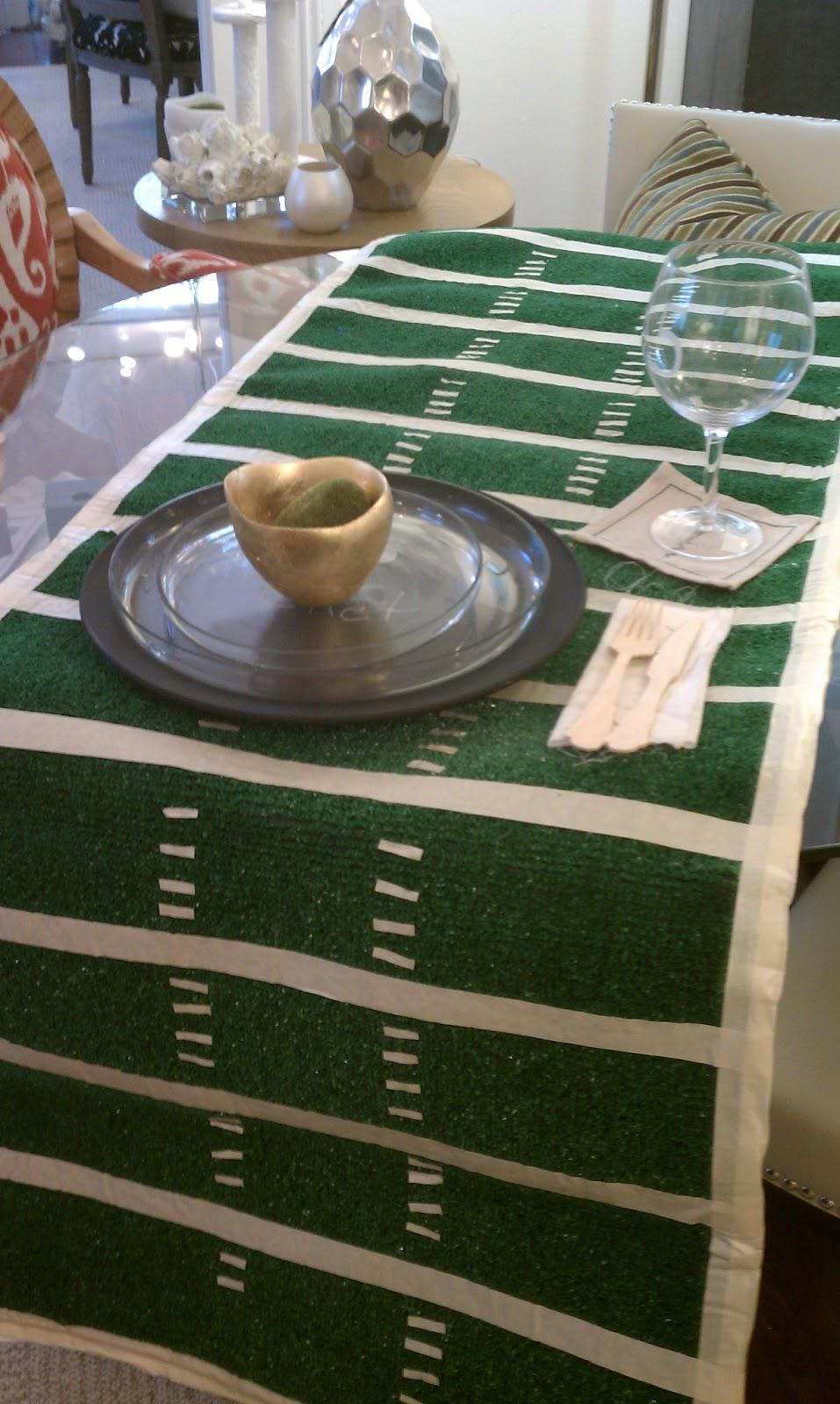 Nadia 39 s diy projects easy diy super bowl football field for Easy diy table runner
