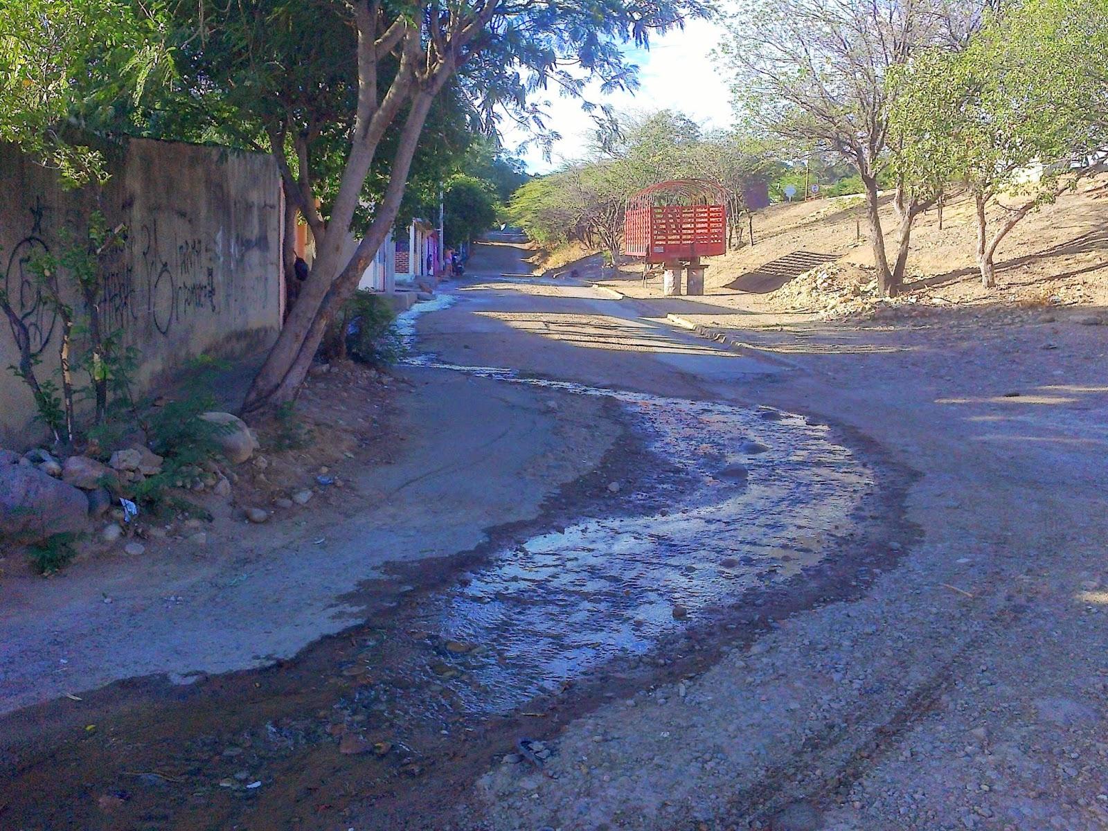 #OngAE presenta a Aguas Kpital Cúcuta derecho de petición por vía electrónica: Bote de agua por explosión de tubo matriz #MovilNOTICIAS