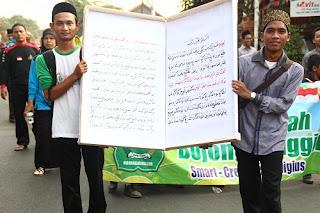 Kirab Harlah AMRI, Arak 63 Kitab Karya Ulama Syech Achmad Rifa'i