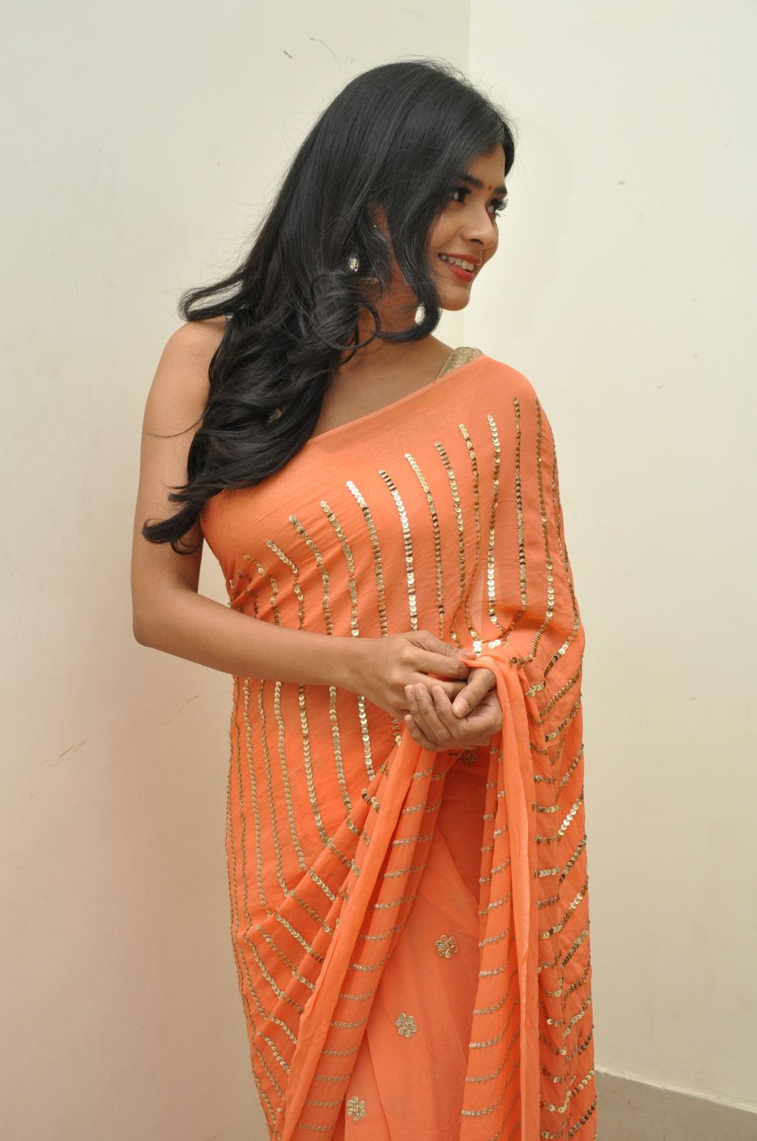 Hebah Patel photos from Kumari 21f audio-HQ-Photo-9