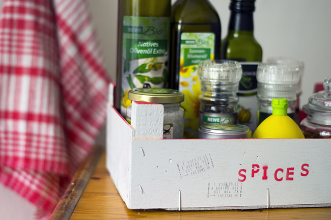 How to upcycle a fruit box into a spice & oil box. {via www.fashionrolla.com}