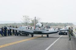Accidentes de Aeronaves de la  FAM. Noticias,comentarios,fotos,videos.  - Página 2 AVION