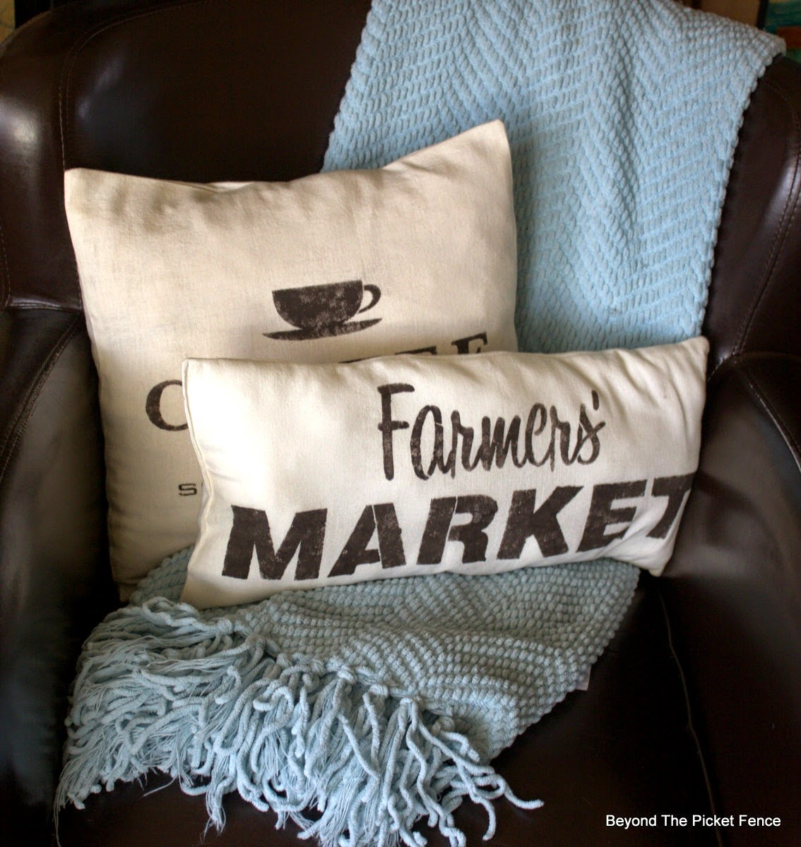 pillows, farmers market, coffee sign, stencil, beyond the picket fence, http://bec4-beyondthepicketfence.blogspot.com/2015/03/project-challenge-linenleather-fabric.html