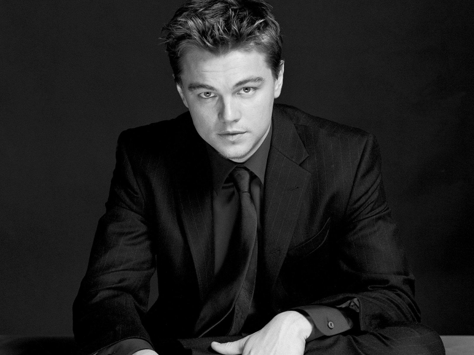 http://4.bp.blogspot.com/-E5ONeug_u2I/TzJgfTC0R1I/AAAAAAAABnQ/3OMzxypa5J0/s1600/kinopoisk.ru-Leonardo-DiCaprio-431433--w--1600.jpg