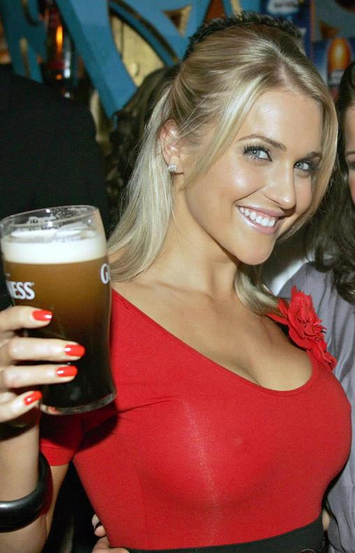 Sexy Hot Girls Cold Beer