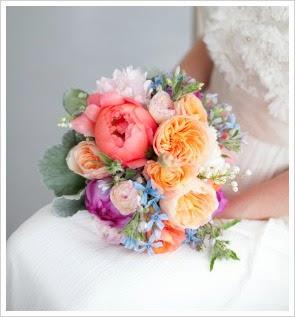 http://www.flower-arrangement-advisor.com/peony-bridal-bouquet.html