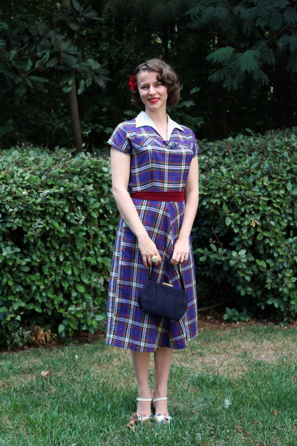 Day Out in 1940s Plaid #vintage #fashion #1940s #dress #plaid #style