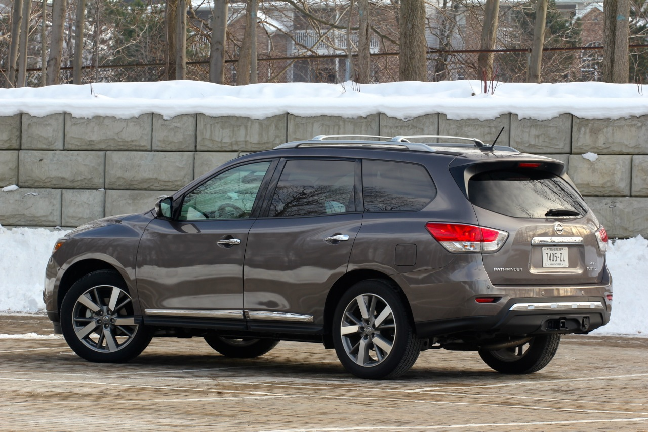 Long-Term 2013 Nissan Pathfinder Photos