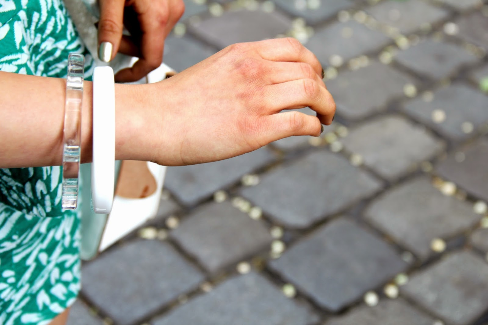 armband detail