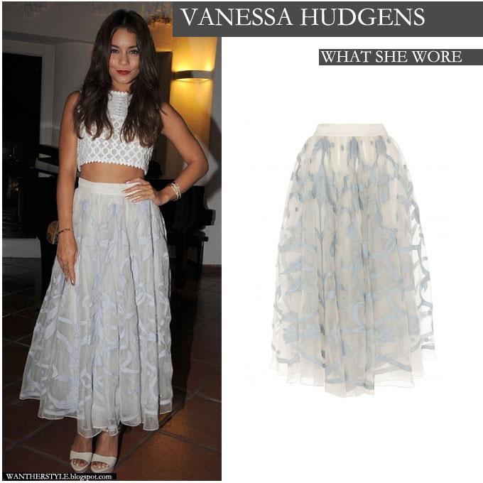 hot-vanessa-hudgens-floral-skirt