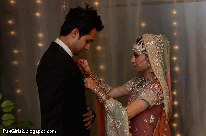 Romance Couple Beautiful Pakistani Bride and Groomپاکستانی