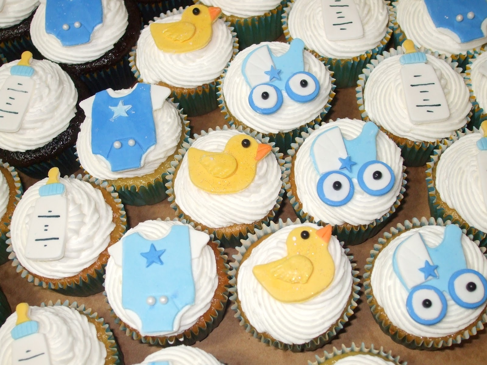 Cakes by Paula: Boy Baby Shower Cupcakes