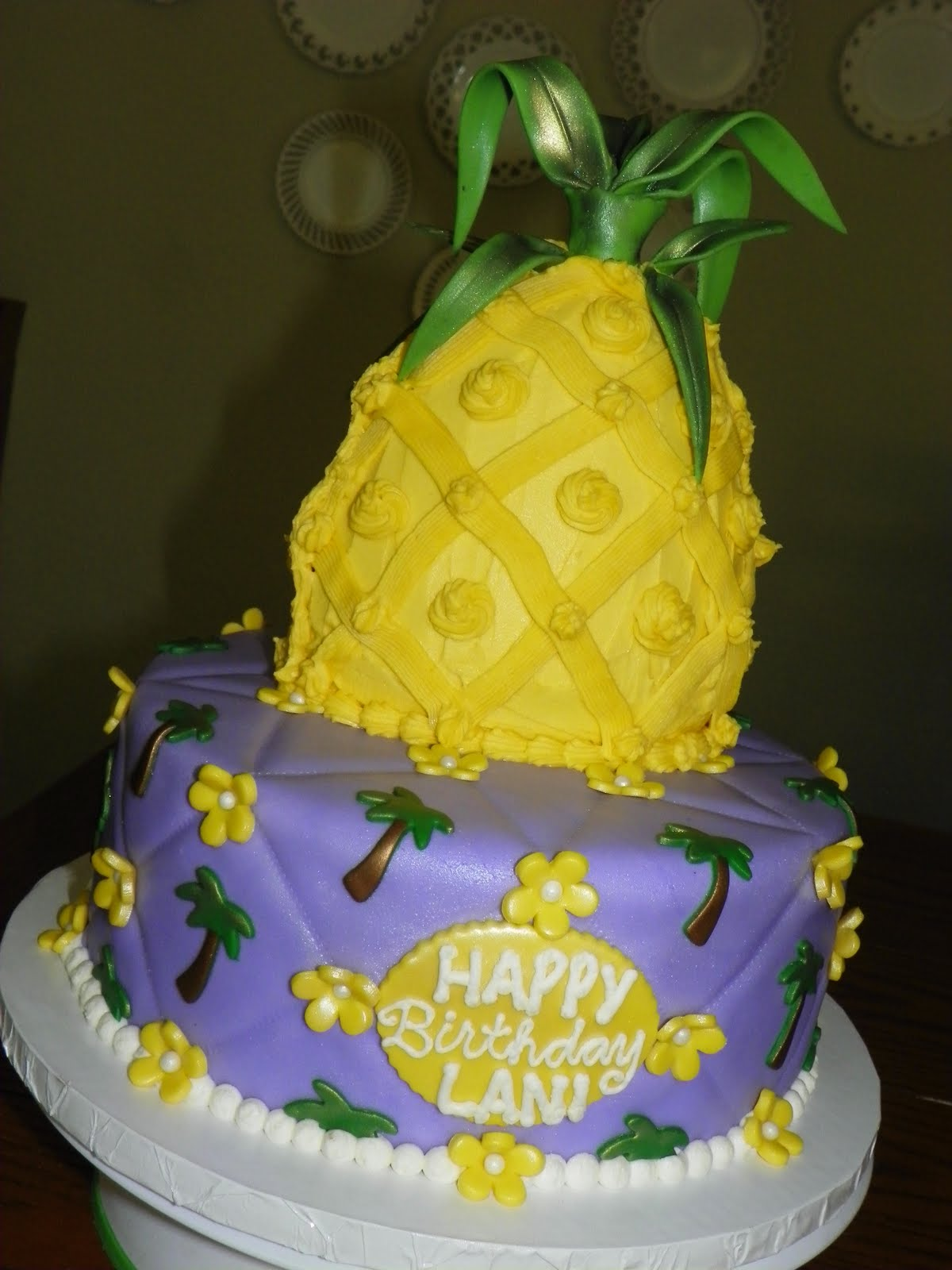 Plumeria Cake Studio: Hawaiian Pineapple Cake