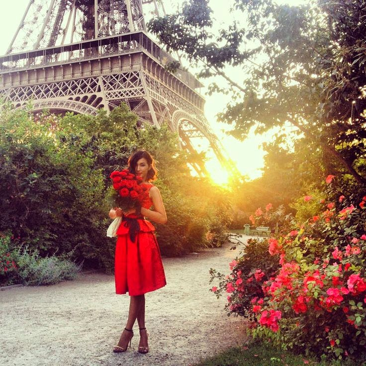 Stunning Eiffel Tower, red dress and red roses