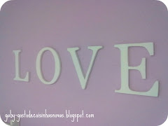 Love na parede do quarto