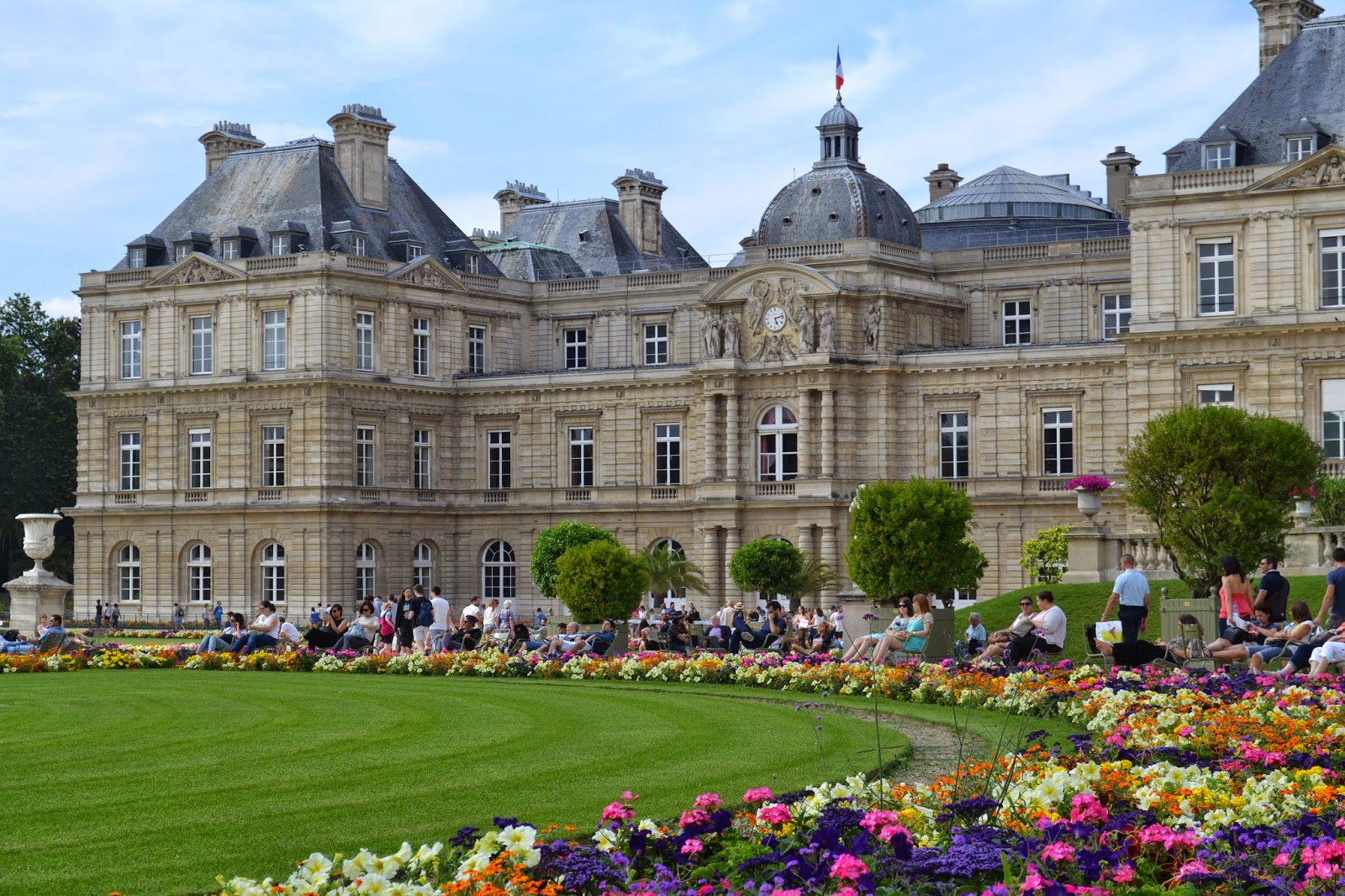 Tea with lavera le jardin du luxemboug paris for Boulevard du jardin botanique 20 22
