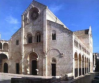 Cattedrale è la chiesa più importante dove risiede il vescovo con la cattedra