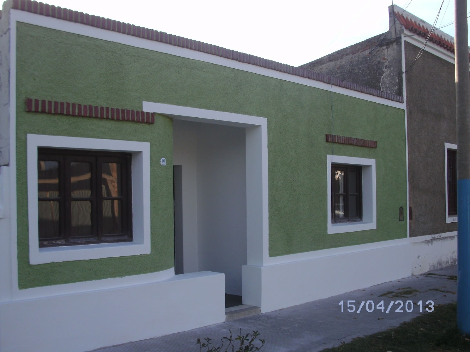 Restauraciones pinturas cartelerias pintura frente de for Colores para pintar frentes de casas