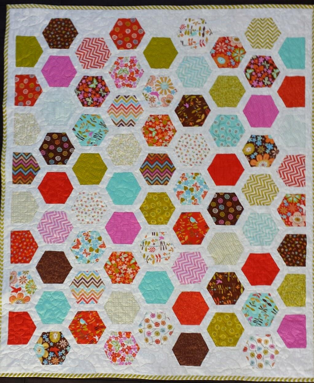 Serena Bean Quilts: Wren and Friends Framed Hexagon Quilt : hexagon quilt kit - Adamdwight.com
