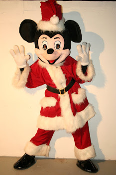 Mascote Mickey Pai Natal