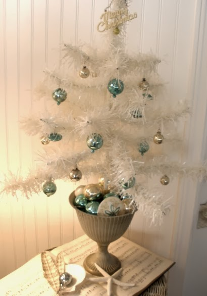 White Coastal Beach Christmas Trees -Ditch Green? - Completely Coastal