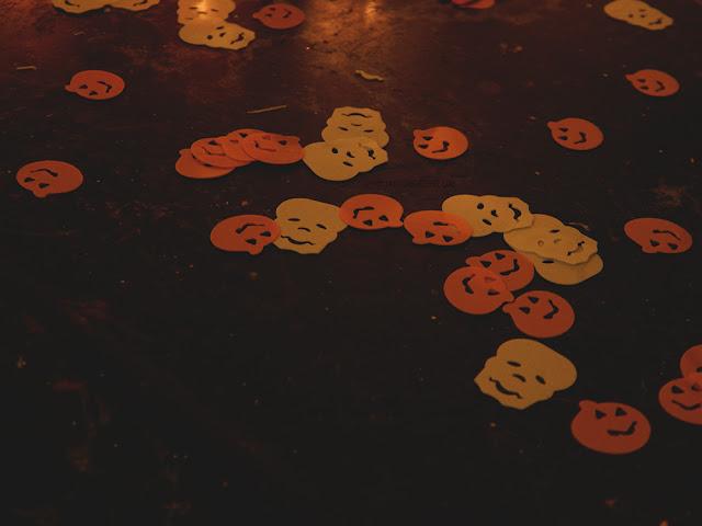 Halloween style confetti