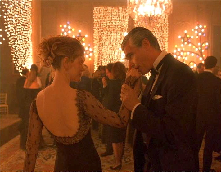"""the most significant elements of the film eyes wide shut One wonders if this party """"degenerated"""" into something resembling what is shown in eyes wide shut in the movie most important, yet most elements of yoga."""