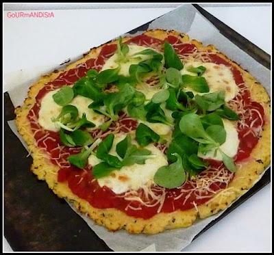 image-Pizza sans pâte à pain mais une galette au chou-fleur : belle découverte !