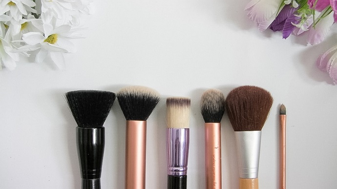 best makeup brushes elf real techniques ecotools